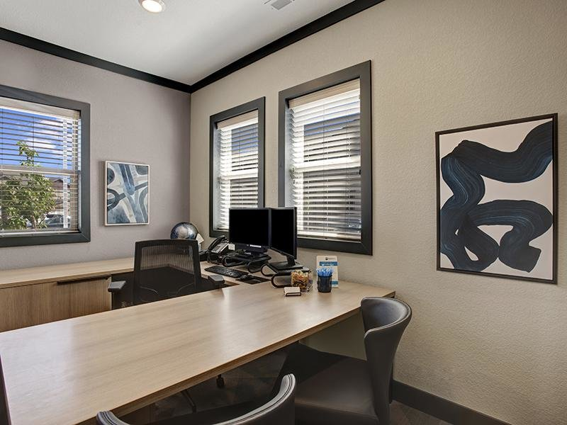 Leasing Office | The Highlands at Redhawk