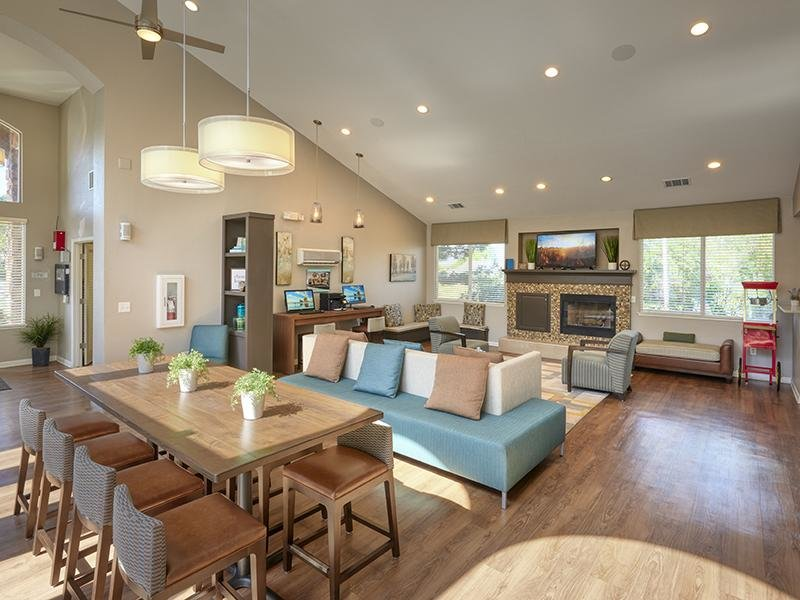 Clubhouse Lobby | Echo Ridge at North Hills Apartments in Northglenn, CO