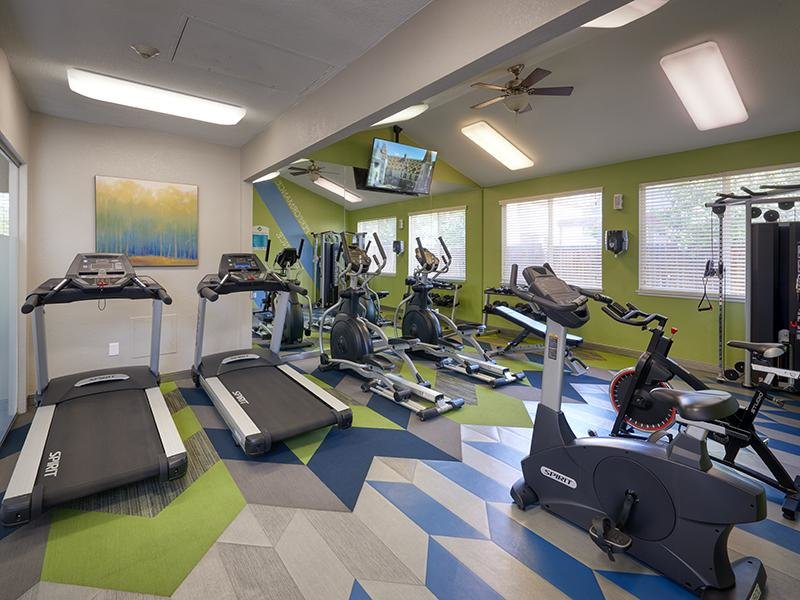 Fitness Center | Echo Ridge at North Hills Apartments in Northglenn, CO