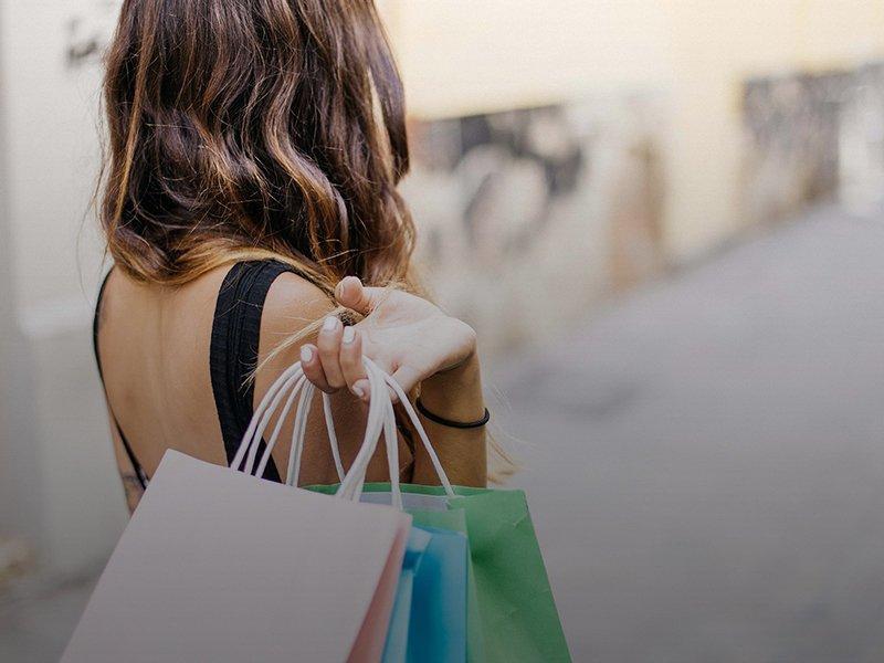Pinole Vista Shopping Center & Hilltop Plaza nearby Appian Terrace Apartment Community