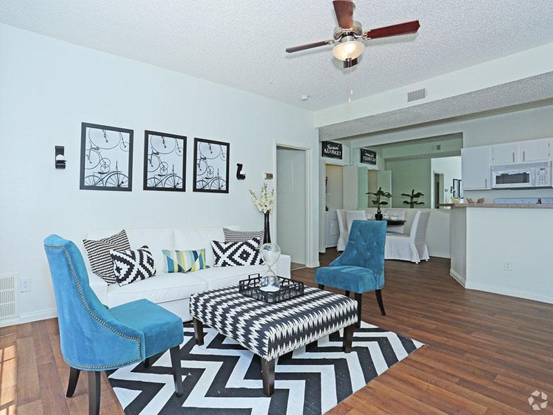 Living Room | Desert Ridge Apartments