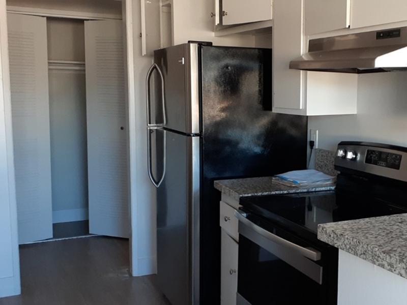 Kitchen | Weddington Mid-Rise