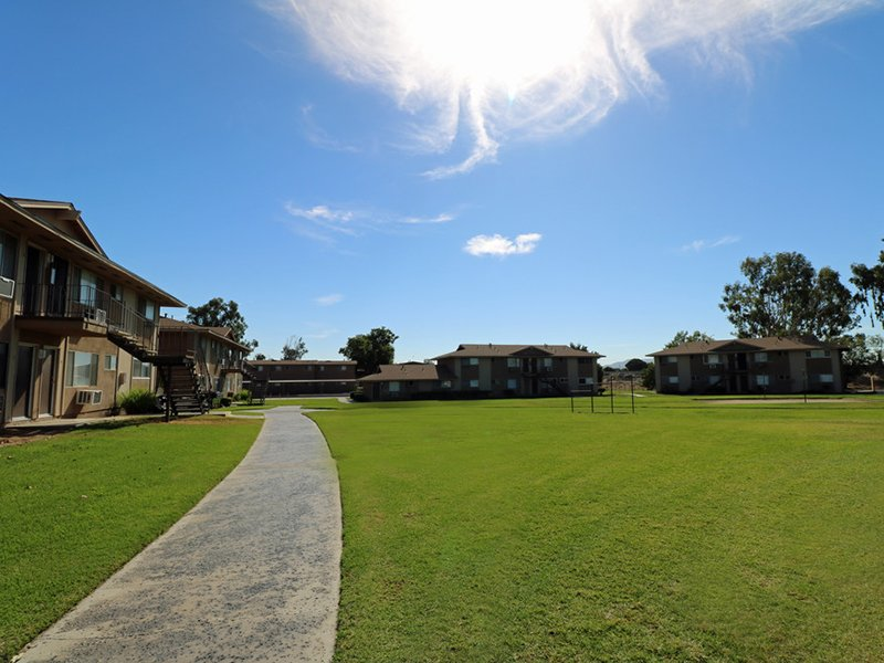 Grounds | Foothill Villas