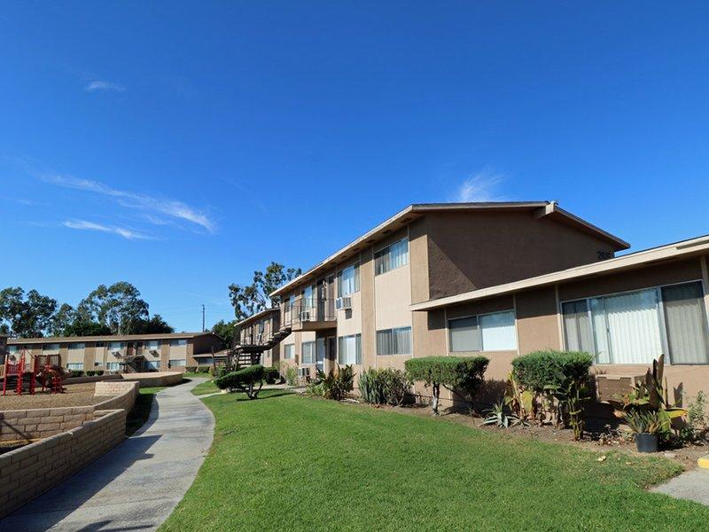 Apartment Exterior | Foothill Villas