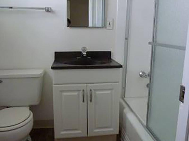 Bathroom | Woodside Place