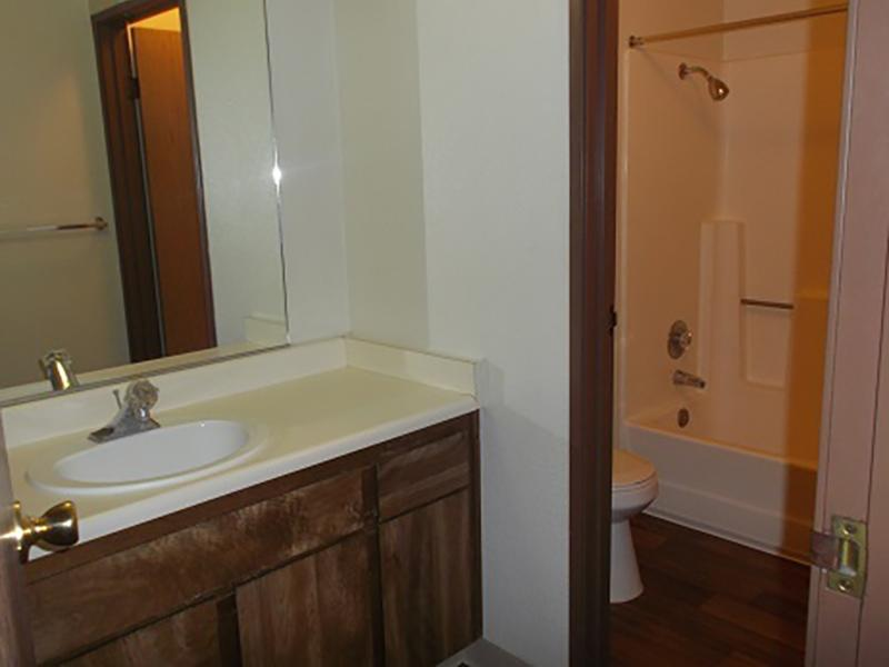 Bathroom   Riverbank