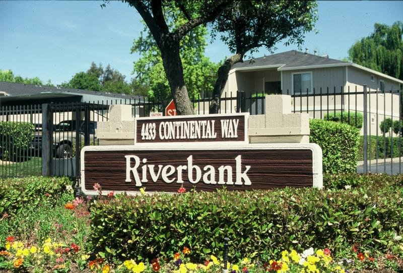 Riverbank Apartments in Stockton, CA