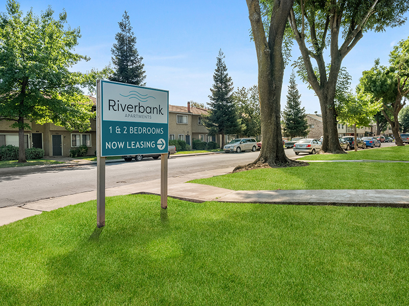 Sign | Riverbank Apartments
