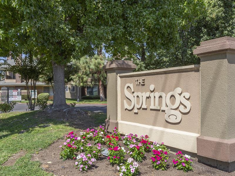 Welcome Sign | The Springs Apartments