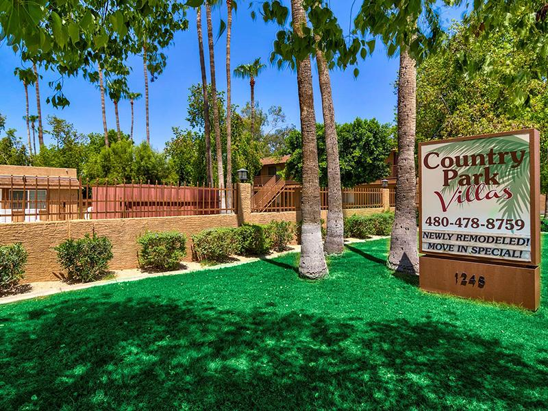 Welcome Sign | Country Park Villas