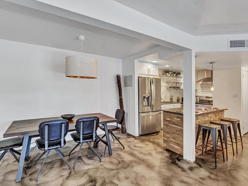 Dining Room | 454 West Brown Apartments