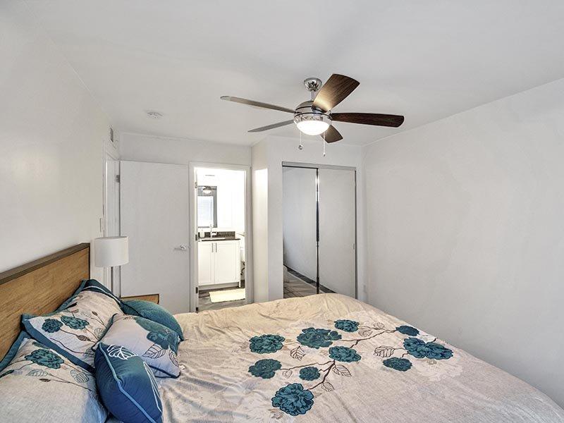 Bedroom | 454 West Brown Apartments