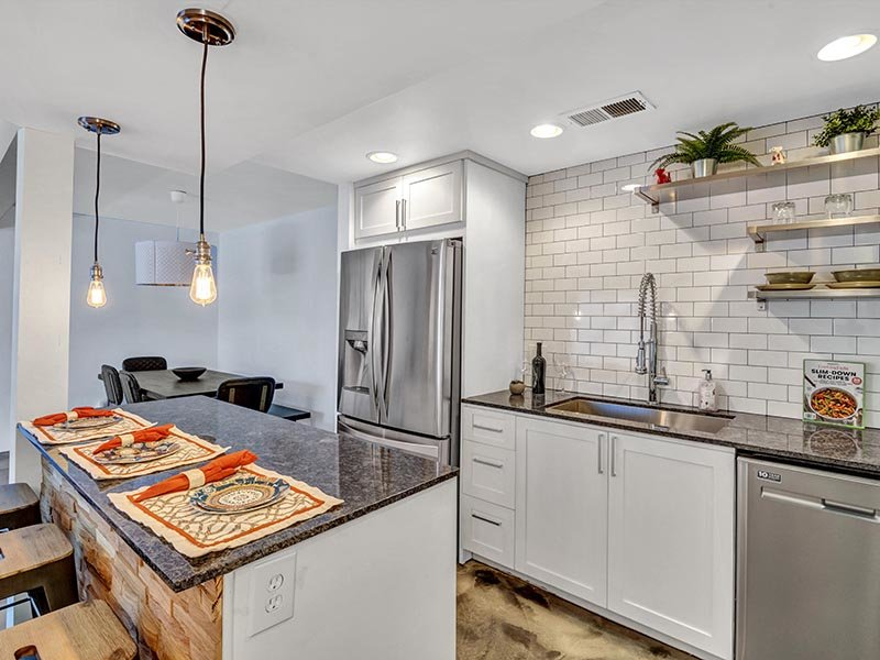 Fully Equipped Kitchen | 454 West Brown Apartments