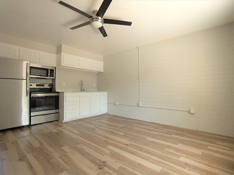 Kitchen | Sahara Apartments in Tucson, AZ