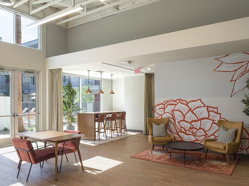 Lounge | Urbana on 12th
