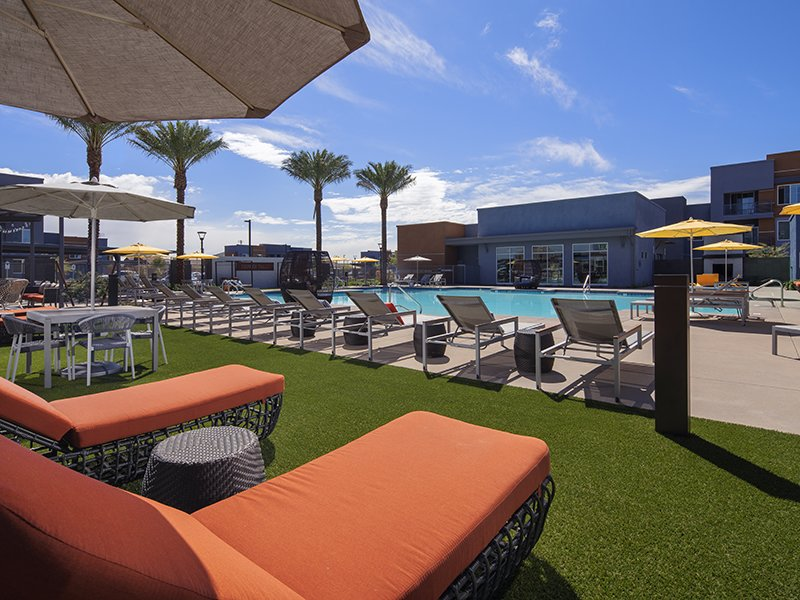 Poolside Lounge Area | Copper Falls Apartments in Glendale, AZ