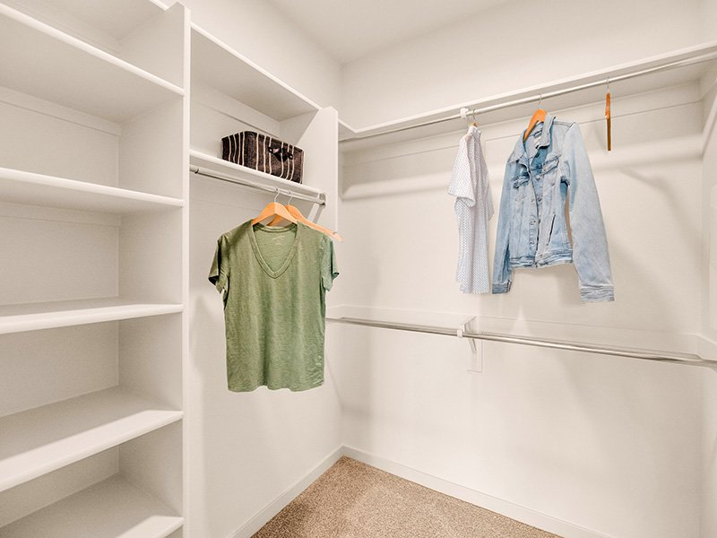 Closet | Copper Falls Apartments in Glendale, AZ