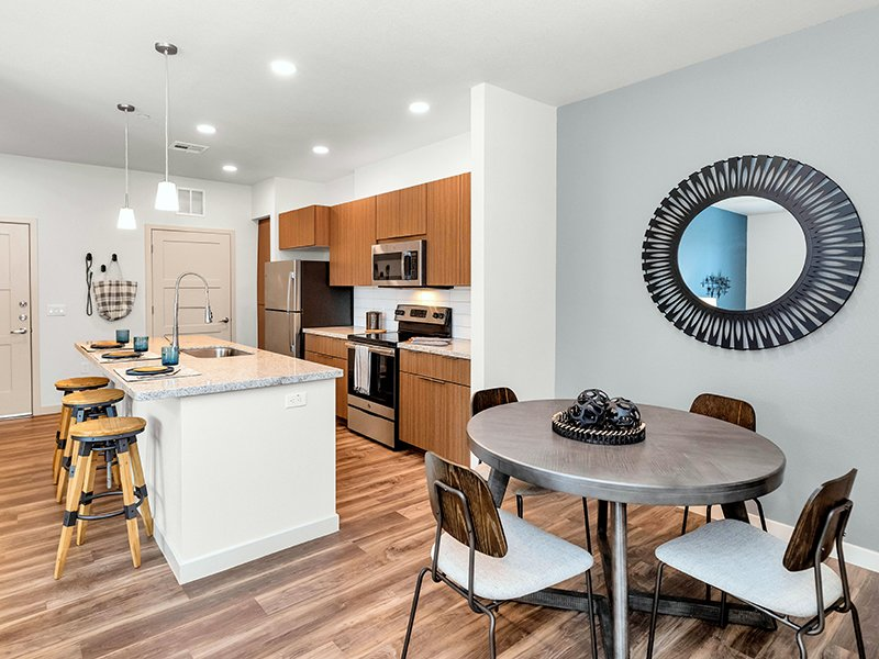 Dining and Kitchen | Copper Falls Apartments in Glendale, AZ