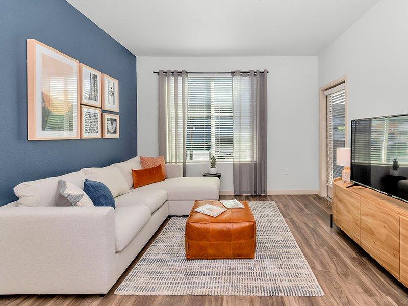 Living Area | Copper Falls Apartments in Glendale, AZ