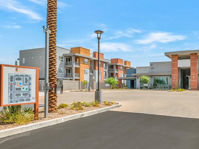 Welcome to Copper Falls Apartments in Glendale, AZ