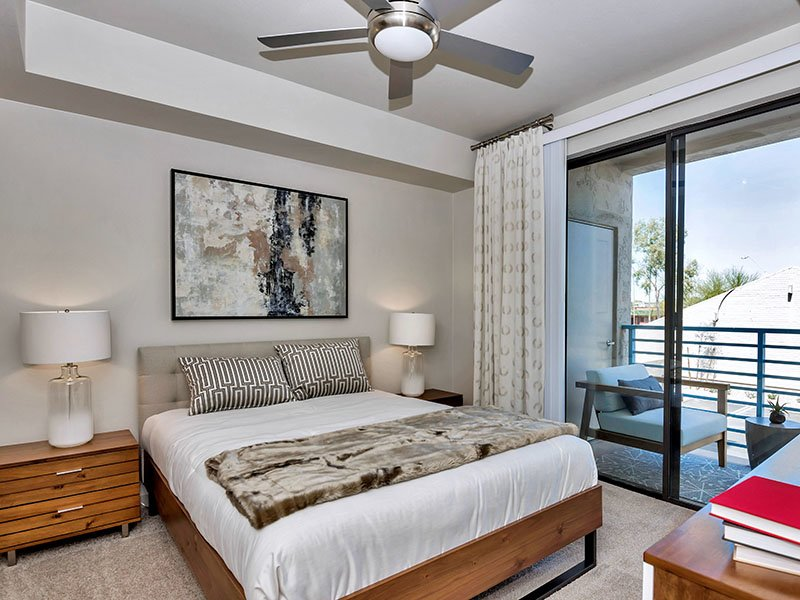 Bedroom | The Curve at Melrose Apartments in Phoenix, AZ