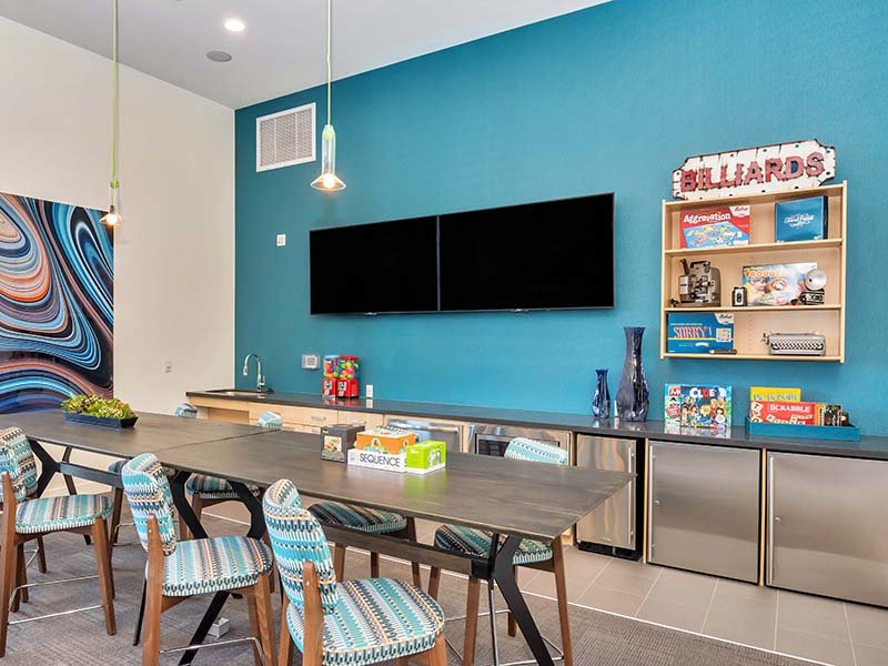 Clubhouse Kitchen | The Curve at Melrose Apartments in Phoenix, AZ