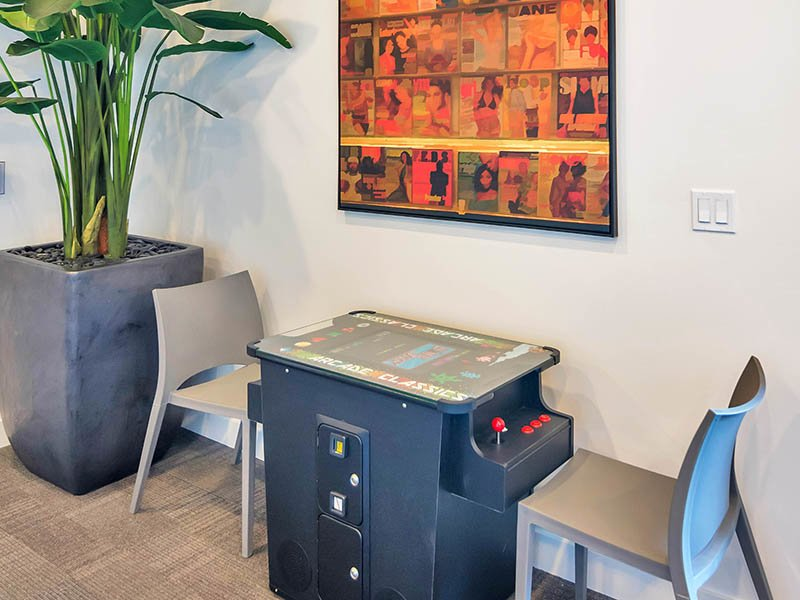 Clubhouse Game Room | The Curve at Melrose Apartments in Phoenix, AZ