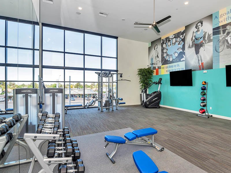 Fitness Center | The Curve at Melrose Apartments in Phoenix, AZ
