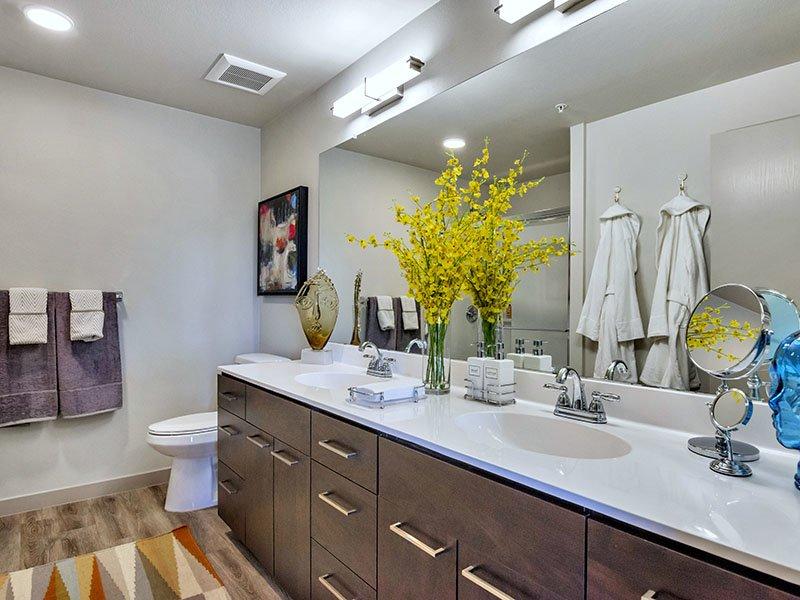 Bathroom | The Curve at Melrose Apartments in Phoenix, AZ