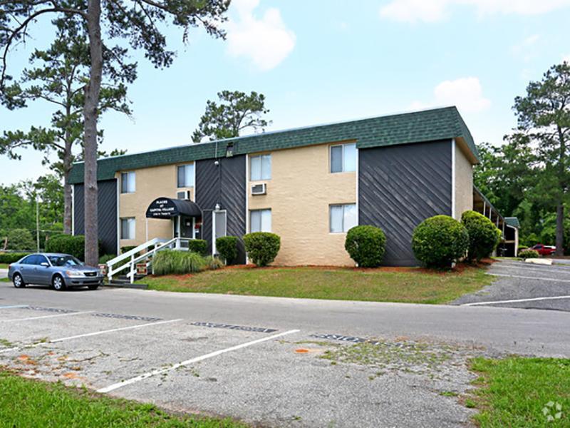 Exterior | Lodge2765 Apartments