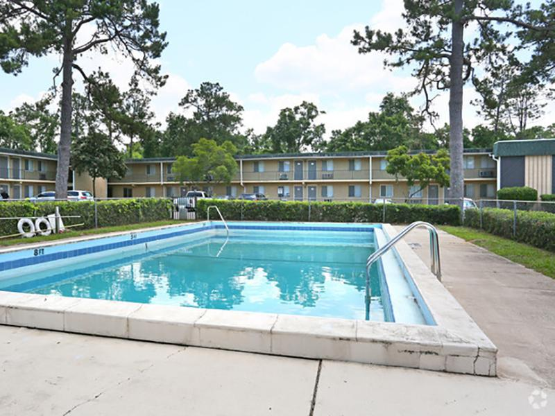 Pool | Lodge2765 Apartments