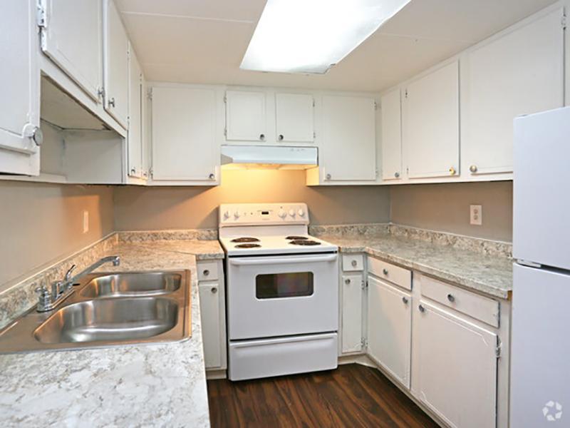 Kitchen | Lodge2765 Apartments