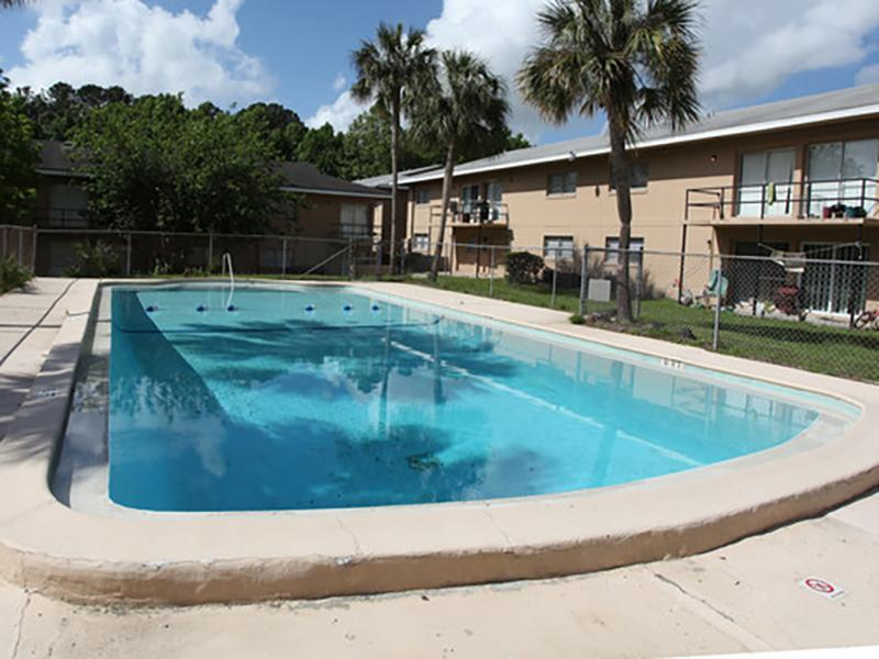 Pool | Cedar Ridge Apartments