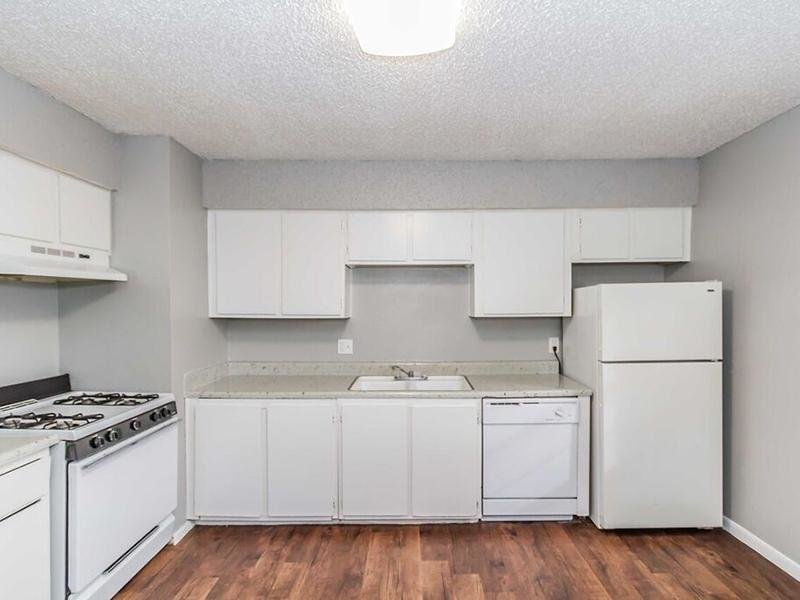 Fully Equipped Kitchen | Cedar Ridge Apartments