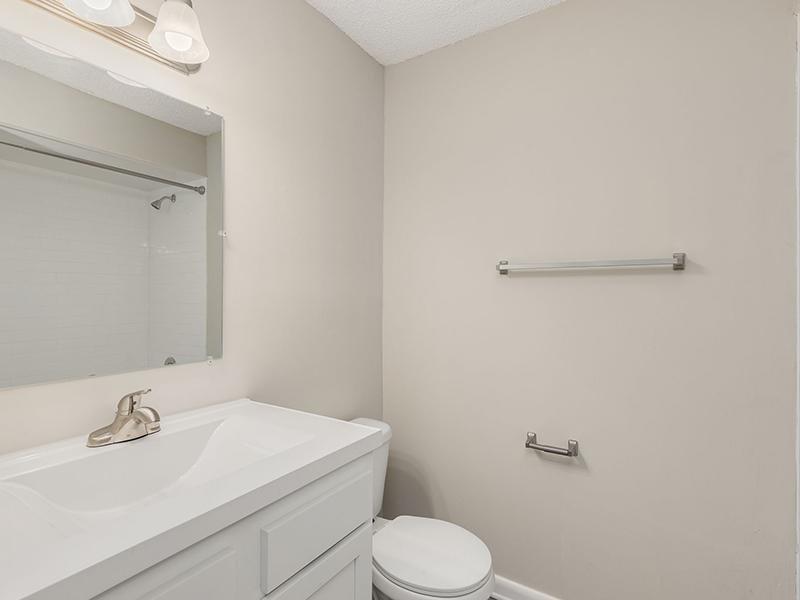 Bathroom | Volare Apartments