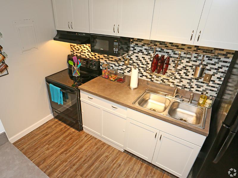 Fully Equipped Kitchen | The Edge @ 401 Apartments