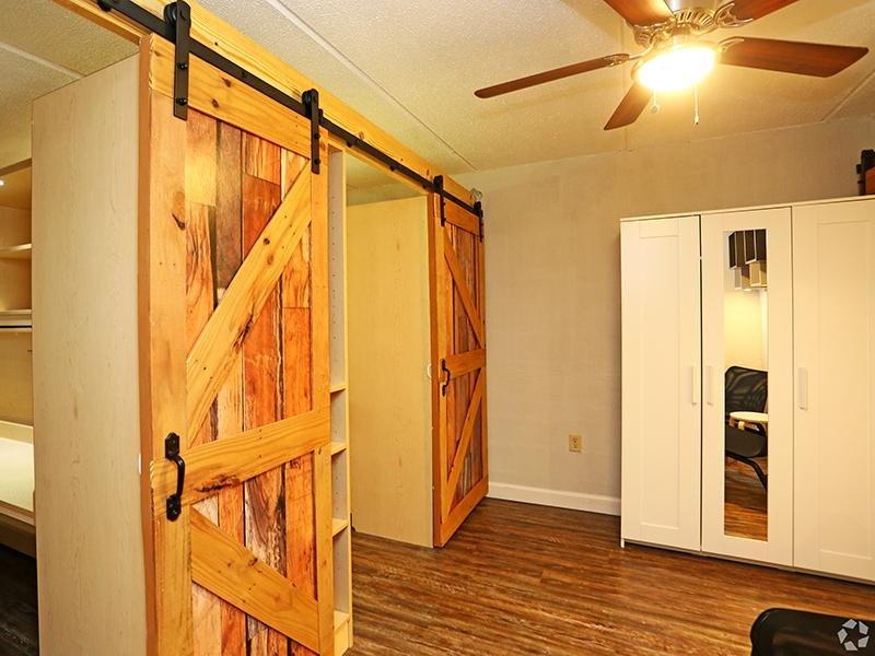 Interior   The Edge @ 401 Apartments