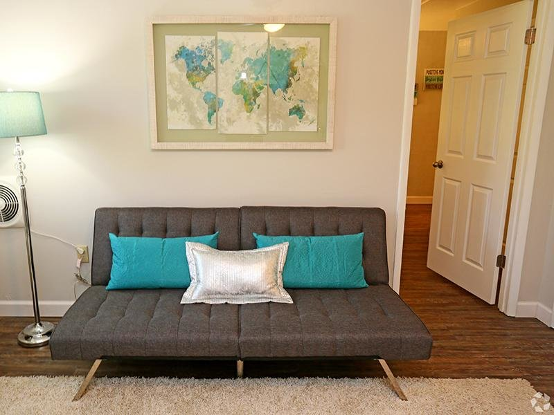 Living Room   The Edge @ 401 Apartments