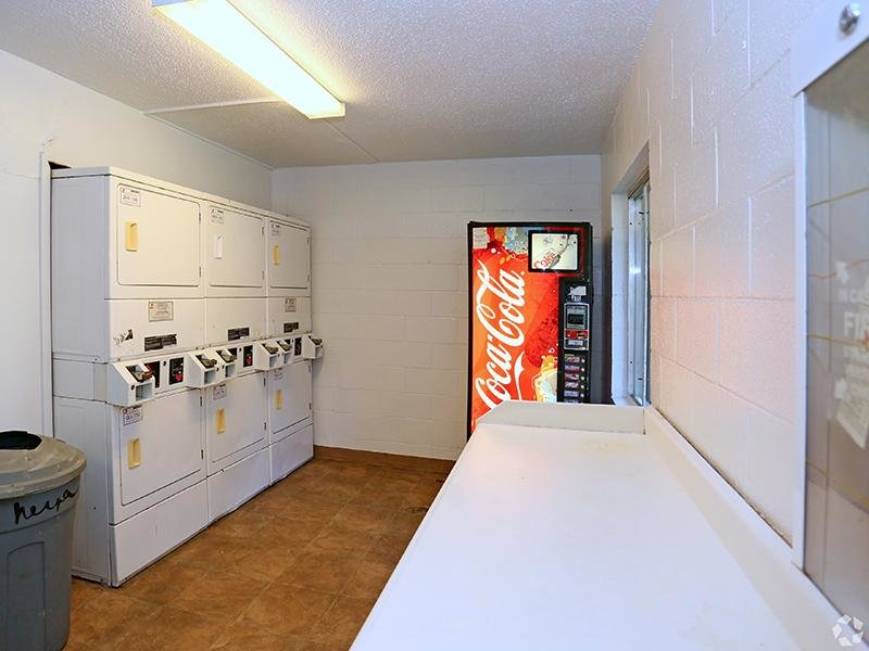 Laundry Center   The Edge @ 401 Apartments