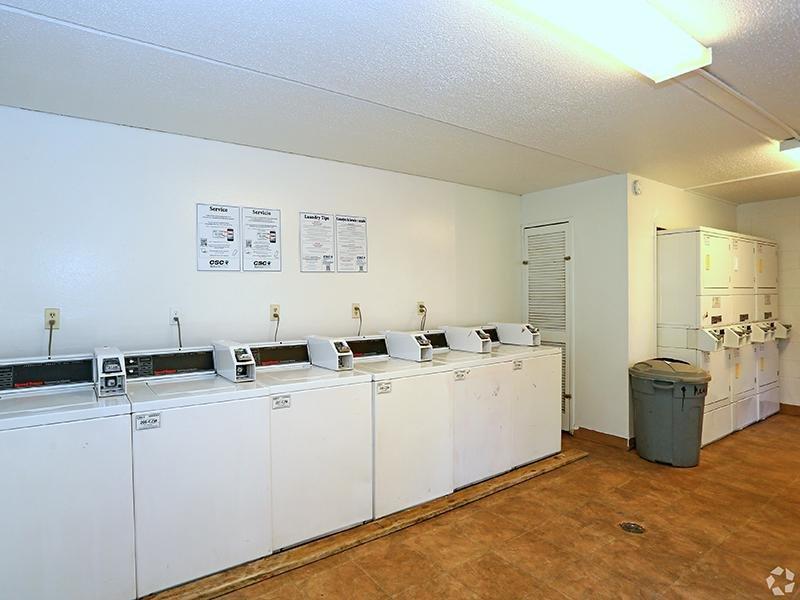 Laundry Facility   The Edge @ 401 Apartments