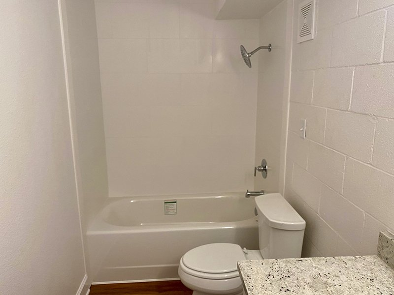 Bathroom   The Edge @ 401
