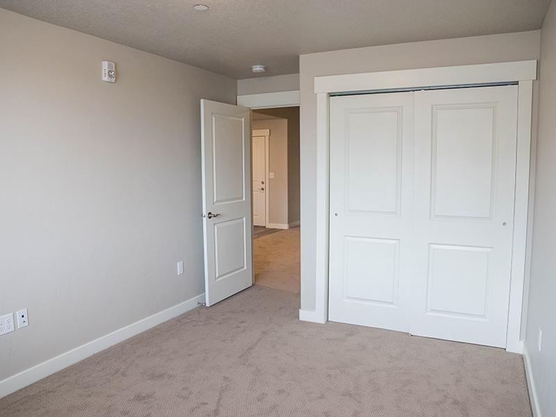 Bedroom | Avalon Senior Living
