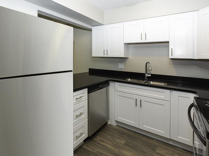 Fully Equipped Kitchen | Apartments at Decker Lake