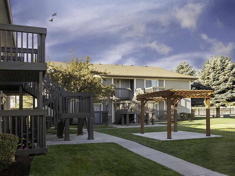 Gazebo | Apartments at Decker Lake