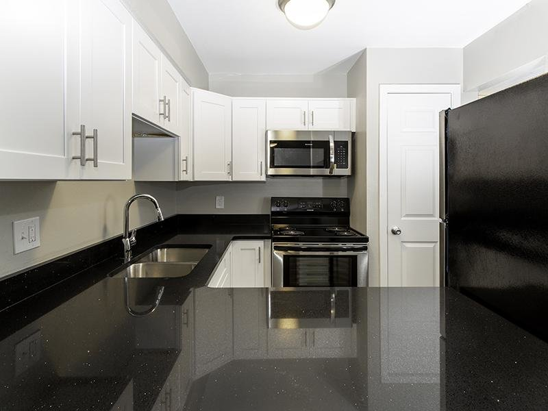 Kitchen | Apartments at Decker Lake