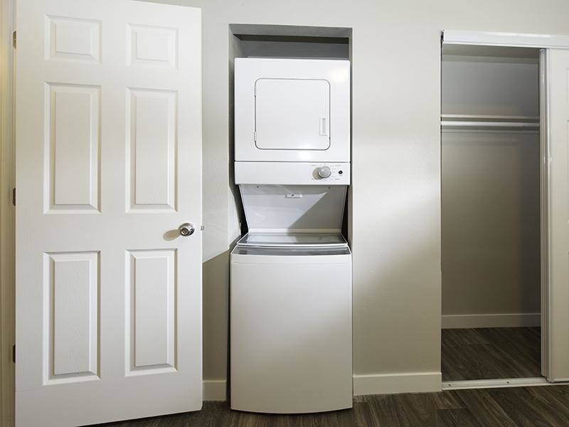 Washer & Dryer | Apartments at Decker Lake