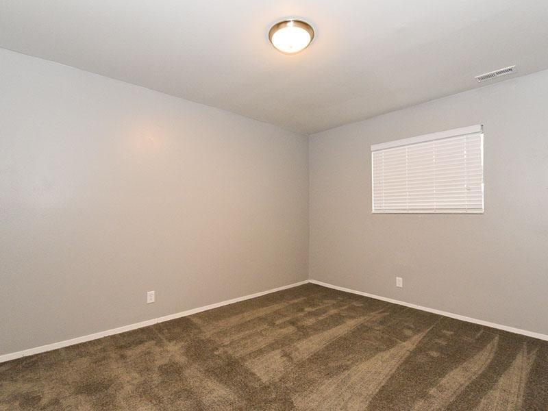 Bedroom | 2 & 3 Bedroom Apartments in Murray