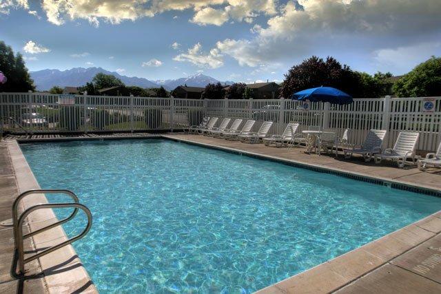 Pool | Sunnyvale Apartments