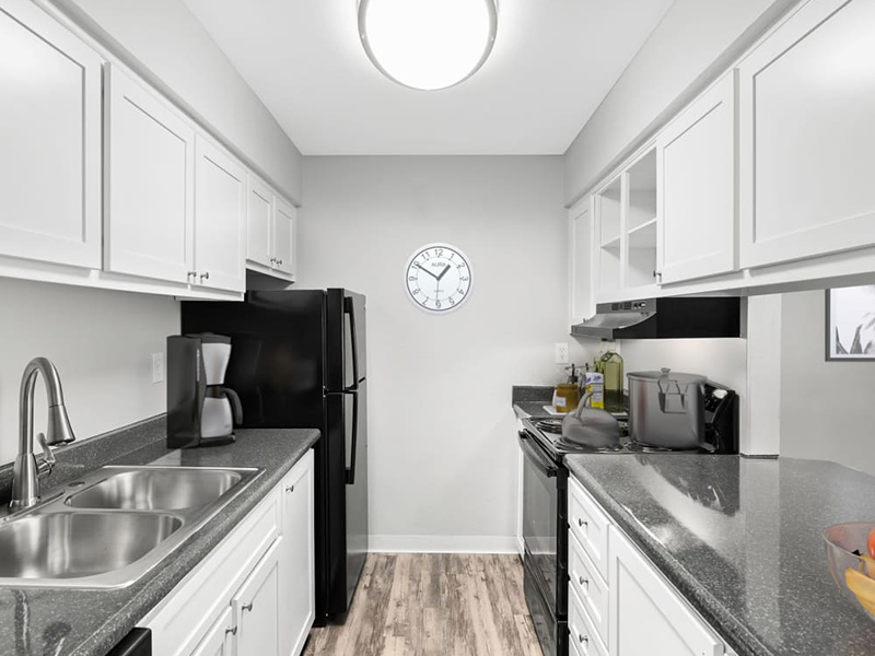 Kitchen | Lakeview Heights in Lakewood, CO