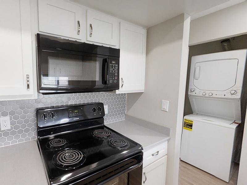 Kitchen | Washer & Dryer | The Station Apartments